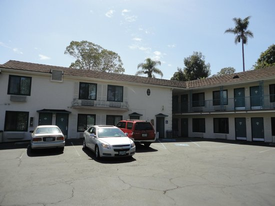 Quality Inn Santa Barbara: Parking del hotel