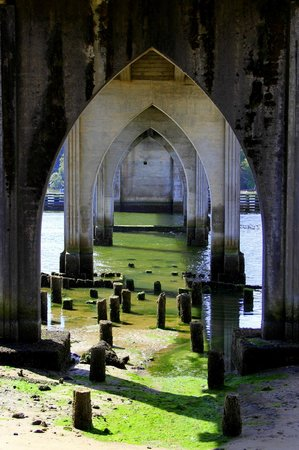 Florence, OR: Under the North end of bridge