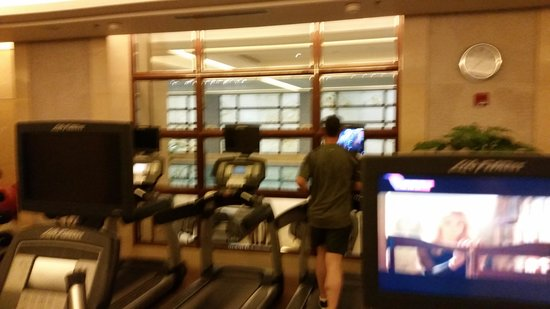 Sofitel Chicago Magnificent Mile: gym