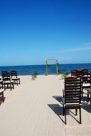 Belize Ocean Club Resort: The Aisle
