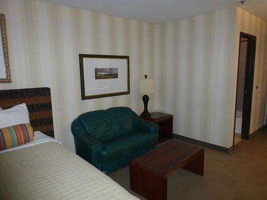 Phoenix Inn Suites : Sitting area