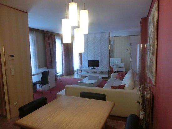 Derag Livinghotel An der Oper: Extra large room