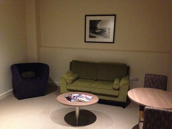 Mercure Grosvenor Hotel : Sitting room in need of a rewamp