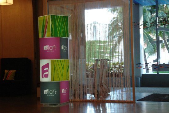 Aloft Cancun : Lobby