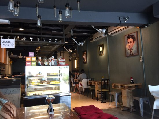 The LightBulb Cafe: Cosy environment