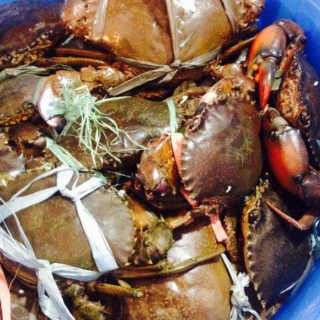 PLATO D' Boracay Resto- d'talipapa-boracay: Crabs!