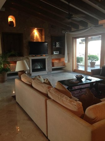 Villa La Estancia: Living room area