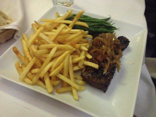Le Central : Carne com frita muito bom!