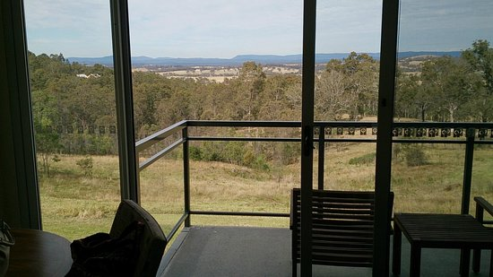 Golden Door Health Retreat & Spa Elysia : View out over the vineyards