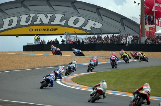 24h motos circuit des 24 heures le mans sarthe ville du mans photo de office de tourisme. Black Bedroom Furniture Sets. Home Design Ideas