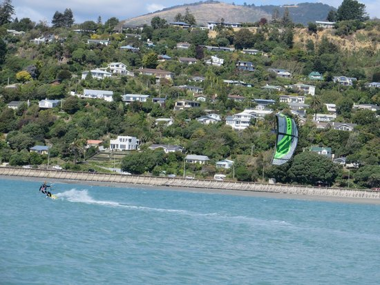 Kitesurf Nelson: Up and riding after 8hrs of lessons and a little practice!