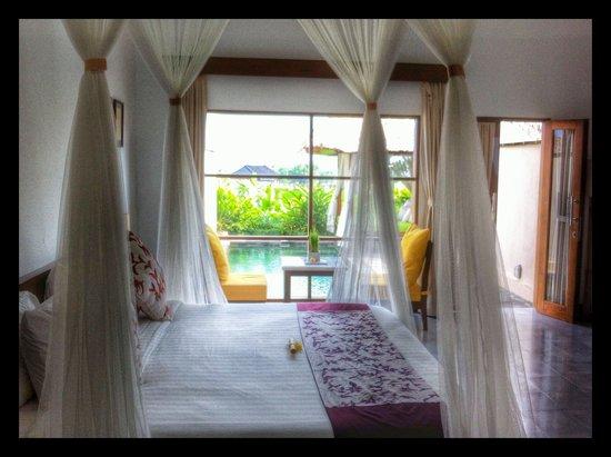 Alam Puisi Villa: The room