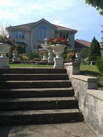 Villa Alexandrea Bed & Breakfast: de voorkant van het huis