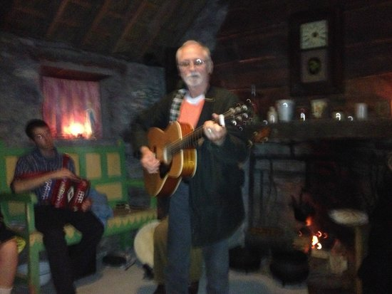 Molly Gallivan's Cottage & Traditional Farm: American singer/songwriter performing
