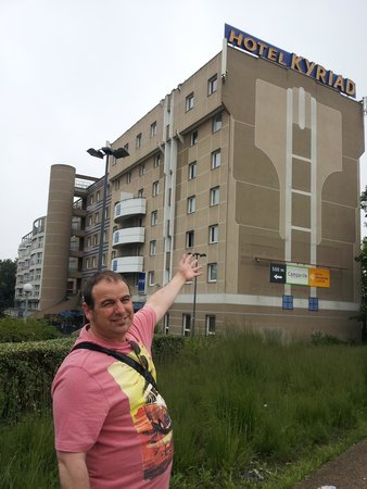 Kyriad Marne-la-Vallee Torcy : theres the hotel