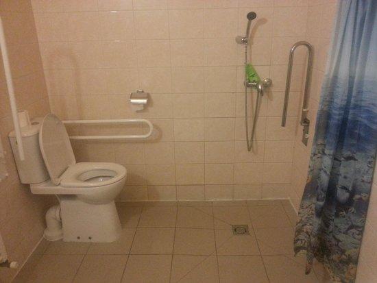 Hotel Zlata Vaha: Baño