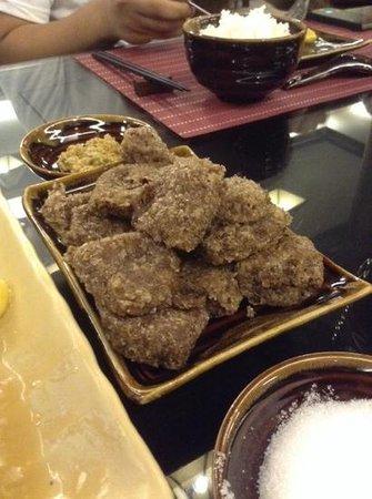 Shan Yoe Yar: black sticky rice cakes