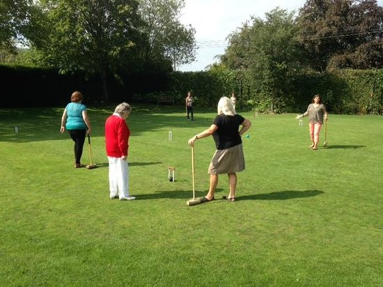 Park House Hotel & Spa: Playing Croquet