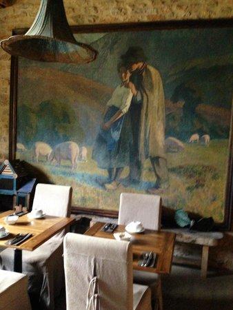 Chateau de Labro : breakfast room plus wi-fi 24hrs