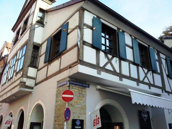 Brauerei-Gaststatte Kneitinger: В старом доме