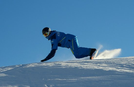 Parallel Lines Snow Sports School
