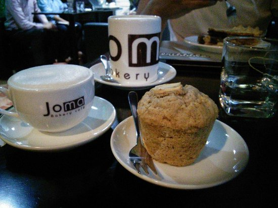 Joma Bakery Cafe : Apple & cinnamon oat muffin with a cup of London Fog.