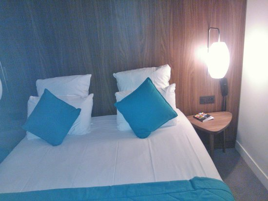 Best Western Plus 61 Paris Nation Hotel: A very comfortable bed