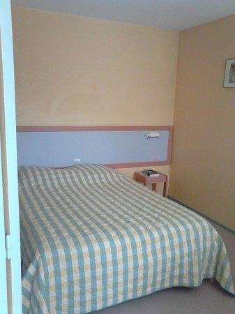 VVF Villages Obernai: Chambre grand lit (il y aussi des chambres lits jumeaux)