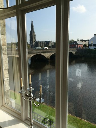 Ballina Manor Hotel: View from the beautiful restaurant at the gorgeous manor hotel