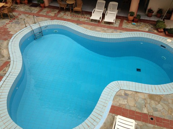 Cleopatra Apartments: Pool view room