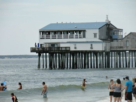 Aquarius: View from motel to the pier