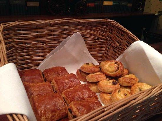 The Devon Hotel: Breakfast Sweet Treats