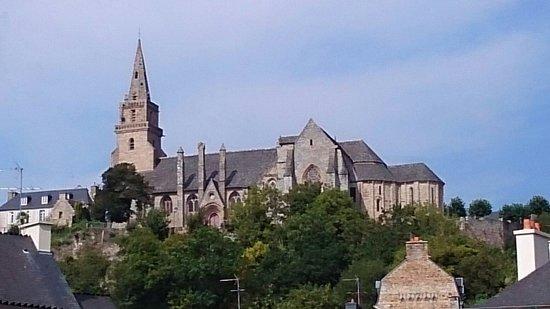 Eglise de Brelevenez