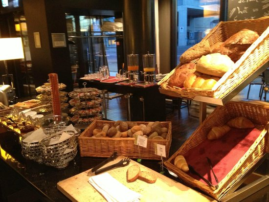 Holiday Inn Zürich Messe: Breakfast