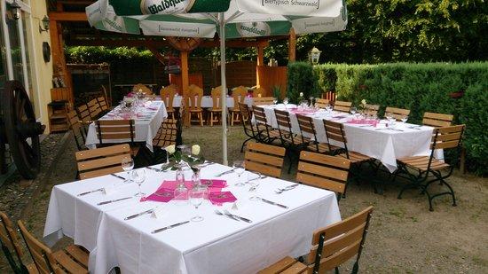 Stegen, Alemania: Hochzeit im Hirschen Garten