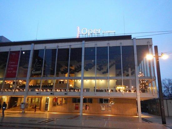 Oper Frankfurt: 外観