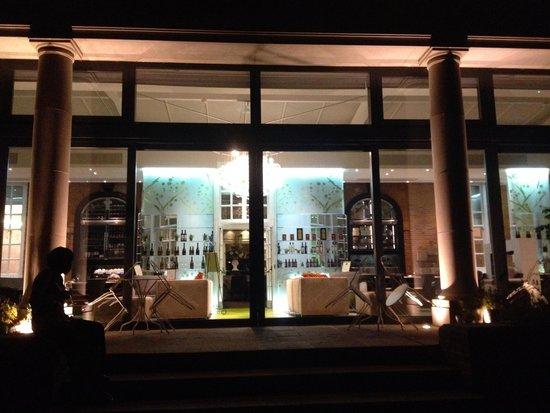 Hotel du Vin Wimbledon: Evening view
