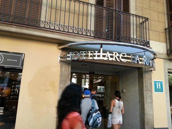 Hotel Arc La Rambla: Hotel entrance