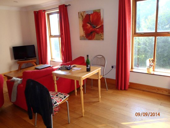 College View Apartments: Bright rooms