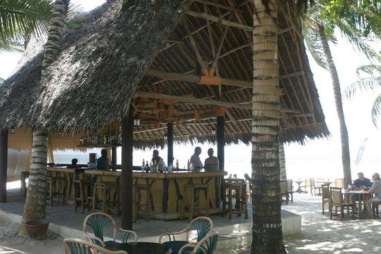 Pinewood Beach Resort & Spa: Dhow Bar right on the beach