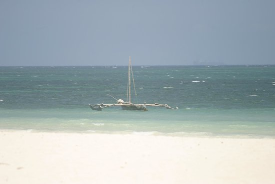 Pinewood Beach Resort & Spa: Galu Beach