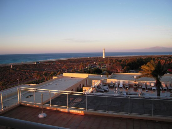 SBH Jandia Resort: Wunderschöne Aussicht auf den langen Strand :-)