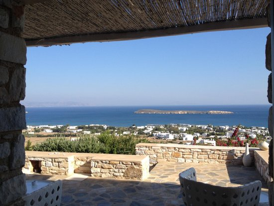 Calme Boutique Hotel: View from lobby / restaurant