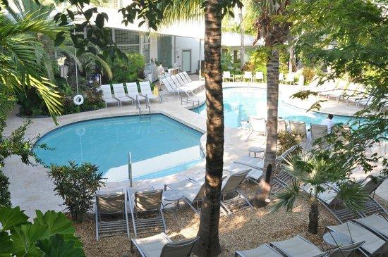 Santa Maria Suites Hotel : La piscine