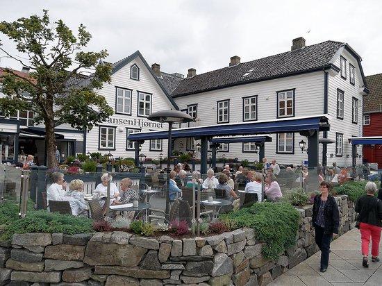 Hansen Hjornet: Pretty terrace #1 of 2