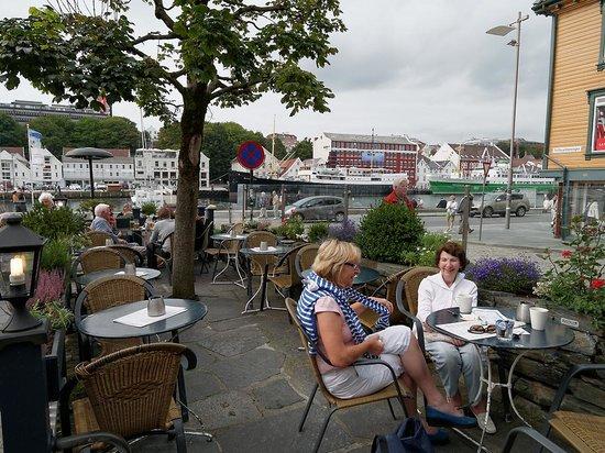 Hansen Hjornet: Pretty terrace #2 of 2