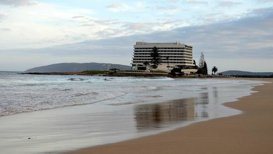 Beacon Island Resort: View of Hotel from Hobie beach