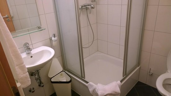 Andra Muenchen Hotel : Bath