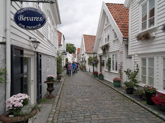 Old Stavanger: Pretty as a picture #2 of 3