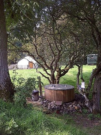 Rock Farm Slane: Yurt and Fire Jacuzzi